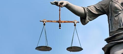 können jugendliche sich einen anwalt nehmen